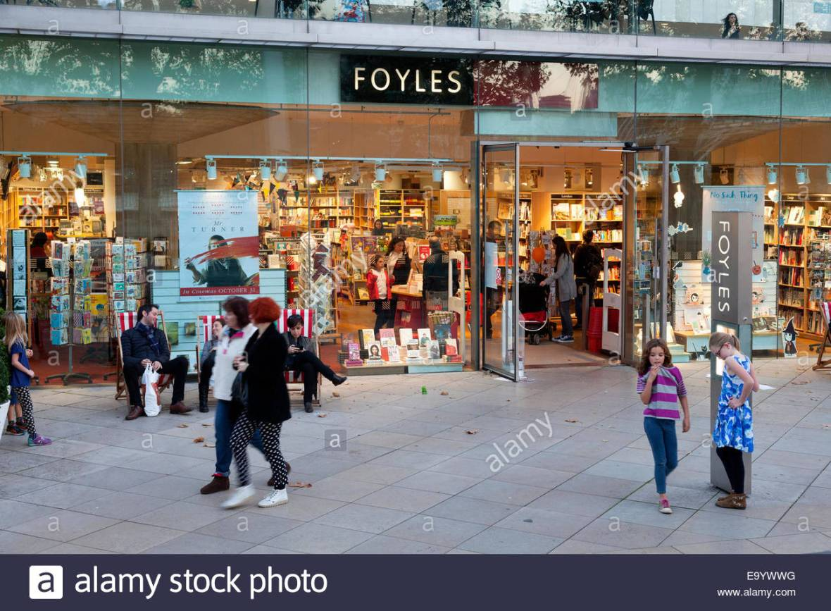 foyles-bookshop-in-the-southbank-centre-south-bank-london-E9YWWG.jpg